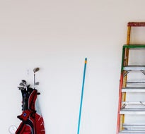 How to organize a garage and clean a garage floor clorox for Garage floor cleaning tips